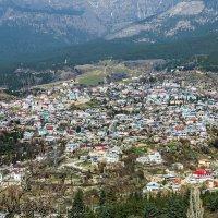 Поселок в горах :: Юрий Яловенко