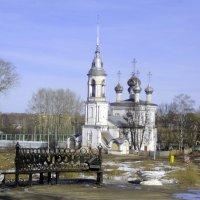 Вологда,  Скамья на набережной реки Вологда :: Вячеслав