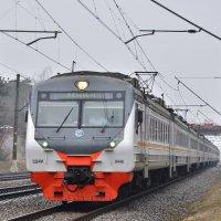 Электропоезд ЭД4М-0446 :: Денис Змеев