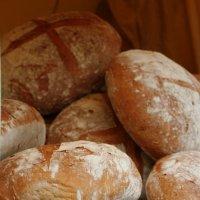 Нет ничего вкуснее свежего хлеба :: Татьяна Панчешная