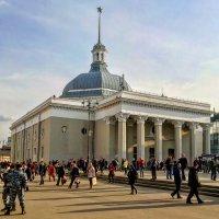 Здание метро Комсомольская :: Константин Поляков