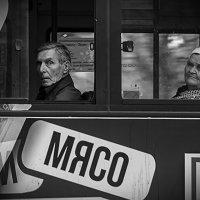 Из жизни народа. Городской автобус :: Олег Семенов