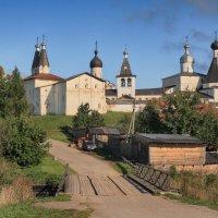 У Ферапонтова монастыря :: Павел Дунюшкин
