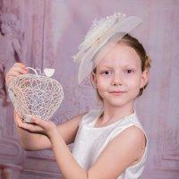 Девочка с яблочком :: Юлия Гудзь