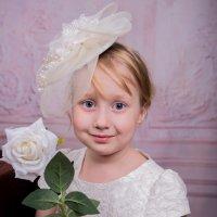Алла и Белая роза :: Юлия Гудзь