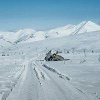 Зимние дороги Магадана :: Юрий Харченко