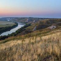 Утро на меловых холмах :: Юрий Клишин