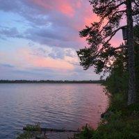 Закат на озере :: Олег Гулли
