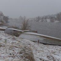 Заснеженный берег. :: Виктор Евстратов