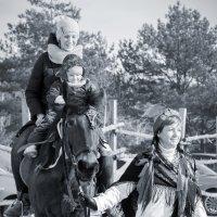 Прогулка на лошади :: Юлия Жукова