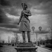 """памятник """"Женщинам войны"""" :: олеся тронько"""