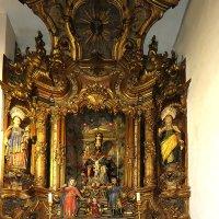 В алтаре кафедрального собора :: ИРЭН@ Комарова
