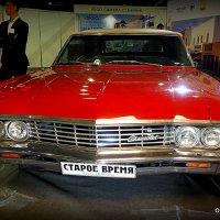 красное авто :: Олег Лукьянов