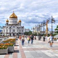Дорога к храму :: Анатолий Колосов