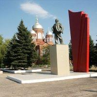 На центральной площади в Пугачеве :: MILAV V