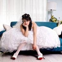 Ох, как это сложно быть невестой. :: Василий Малыш