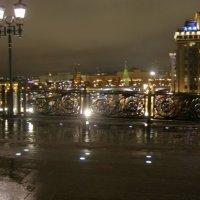 Вечерняя Москва вид на Кремль с Патриаршего моста :: Анна Воробьева