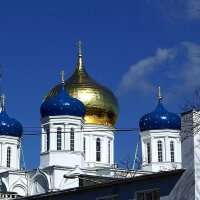 купола Свято-Успенского кафедрального собора :: Александр Корчемный