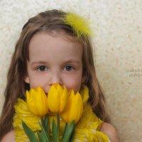 Дарите жёлтые цветы..... :: Людмила Лосева