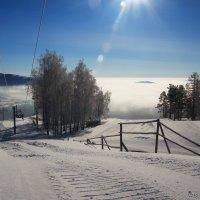 Внизу облака, а над нами солнце )) :: Владимир Акилбаев