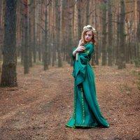 Анна в лесу :: Владимир Пресняков