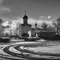 На площадке за храмом! :: Владимир Шошин
