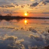 Весна...закат...отражение... :: Вадим Телегин