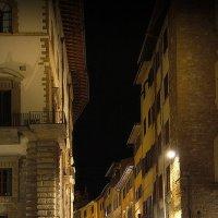 Огни переулочков ночной Флоренции :: M Marikfoto