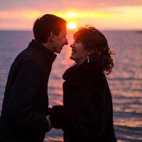 Влюбленная пара на закате :: iviphoto Иванова