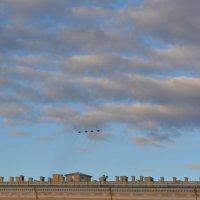 Самолёты над Дворцовой :: Лариса Лунёва