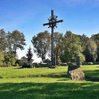 На вершине горы Синимяэ устроен мемориал сражавшимся в рядах СС национальным формированиям :: Елена Павлова (Смолова)