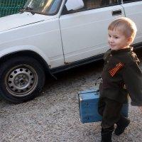 Шел солдат на побывку домой :: Елена Перминова
