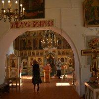 В церкви :: Ирина Бархатова