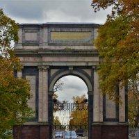 Орловские ворота... :: Sergey Gordoff