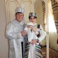 Ну просто вылитый отец! :: Михаил Костоломов