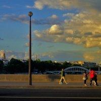 Закат над Парижем... :: Sergey Gordoff