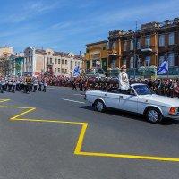 Юные нахимовцы открывают парад во Владивостоке :: Абрис