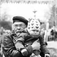 Со внучкой :: Ольга Лапшина