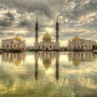 Белая мечеть :: Алексей Гладышев