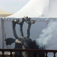 Кому вкусную  еду  от Змея  Горыноча !? :: Виталий Селиванов