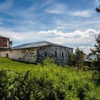 Остров Кий, Белое море, монастырские постройки. :: Павел Харлин