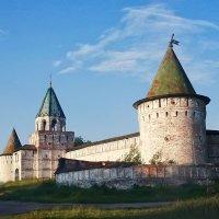 Стены Ипатьевского монастыря. Кострома :: MILAV V