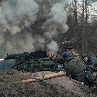поливая огнём :: Владимир Колесников