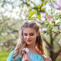 девушка в голубом :: Ирина Kачевская