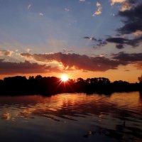 Красочно.., с отражением.. :: Антонина Гугаева