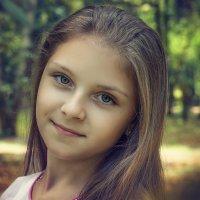 Таня. :: Лилия .