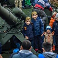 Четыре будущих танкиста :: Павел