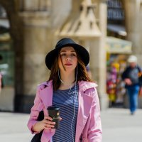 Симпатичная незнакомка с кофе :: Eugen Pracht