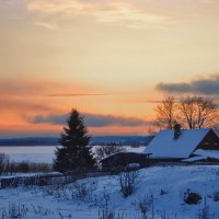 Закат на берегу Онежского озера. :: Владимир Ильич Батарин