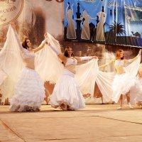 "Танец невест. Студия ""Хадижа"" :: Владимир Болдырев"